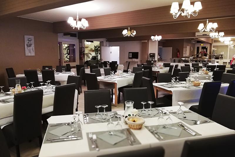 Salle de restaurant du Domaine résidentiel de Mazières